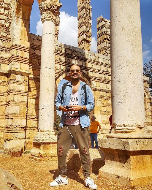 Ruins of the Ummayad city of Anjar  livelovelebanon ig_lebanon lebanon... (`Anjar, Béqaa, Lebanon)