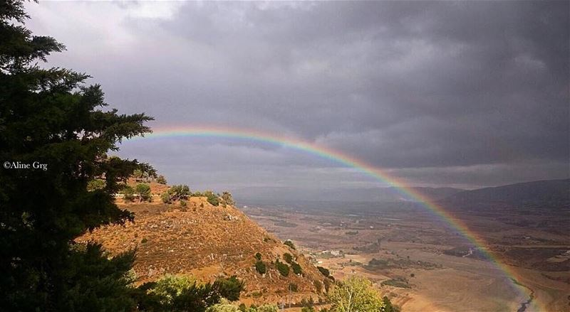Can you spot the second Rainbow?🌈🌈 doublerainbow rainbow rainymood ... (Saghbîne, Béqaa, Lebanon)