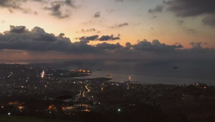 Little timelapse of the charming Beirut in October mood 🌆🌃و مع شوية هزة