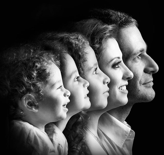A beautiful family portrait. familyportrait artistic fatherhood... (Joe Khoury Studio)