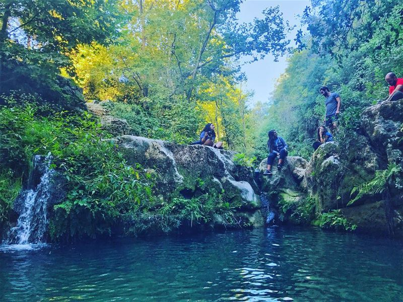 Mabsoutin? Bawwazet bl mayy la sawwerkon😡 (Baakline, Mont-Liban, Lebanon)
