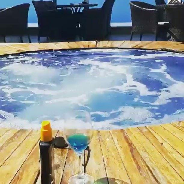Loving our bubbly sunny Lebanon🌞💙 SummerIsNotOver Repost @experienceleba (Bay Lodge)