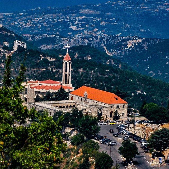 Happy Sunday. goodmorning happysunday lebanon stcharbel christianity... (Annâya, Mont-Liban, Lebanon)