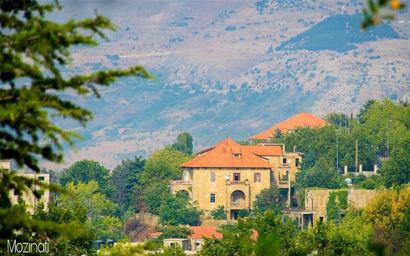 houses house landscape landscaping nikontop nikon5300 lebanon... (Sawfar, Mont-Liban, Lebanon)