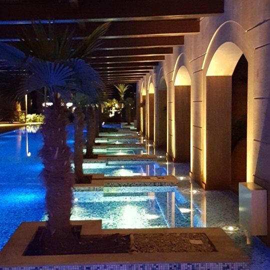 chilling kempinski beirut ... (Kempinski Summerland Hotel & Resort Beirut)