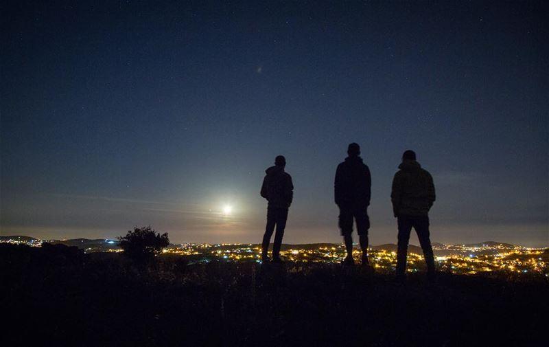 Men in black......@night_shooters @nightphotography @natgeo @addicte (Jabal el Bâroûk)