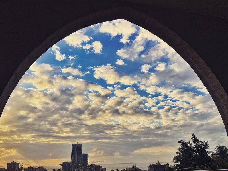 beirut lebanon sky sunset ❤️ @livelovebeirut (Upper Room)