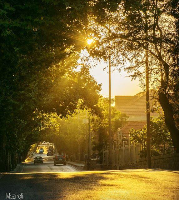 ig_epicshotz sunsets sunset_hub sunsetporn ig_sunsetshots streetshot... (Sawfar, Mont-Liban, Lebanon)