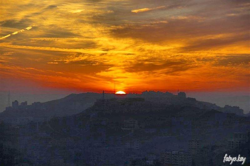 sunset sunsetlovers sunsets tagsforlikes skypron skylovers skyline... (Bhamdoûn, Mont-Liban, Lebanon)
