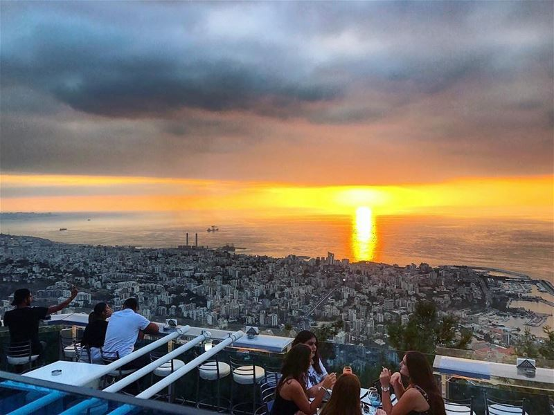 Another breathtaking sunset AtTheTop captured by @emmanoura 💛🌅 ・・・You... (The Terrace - Restaurant & Bar Lounge)