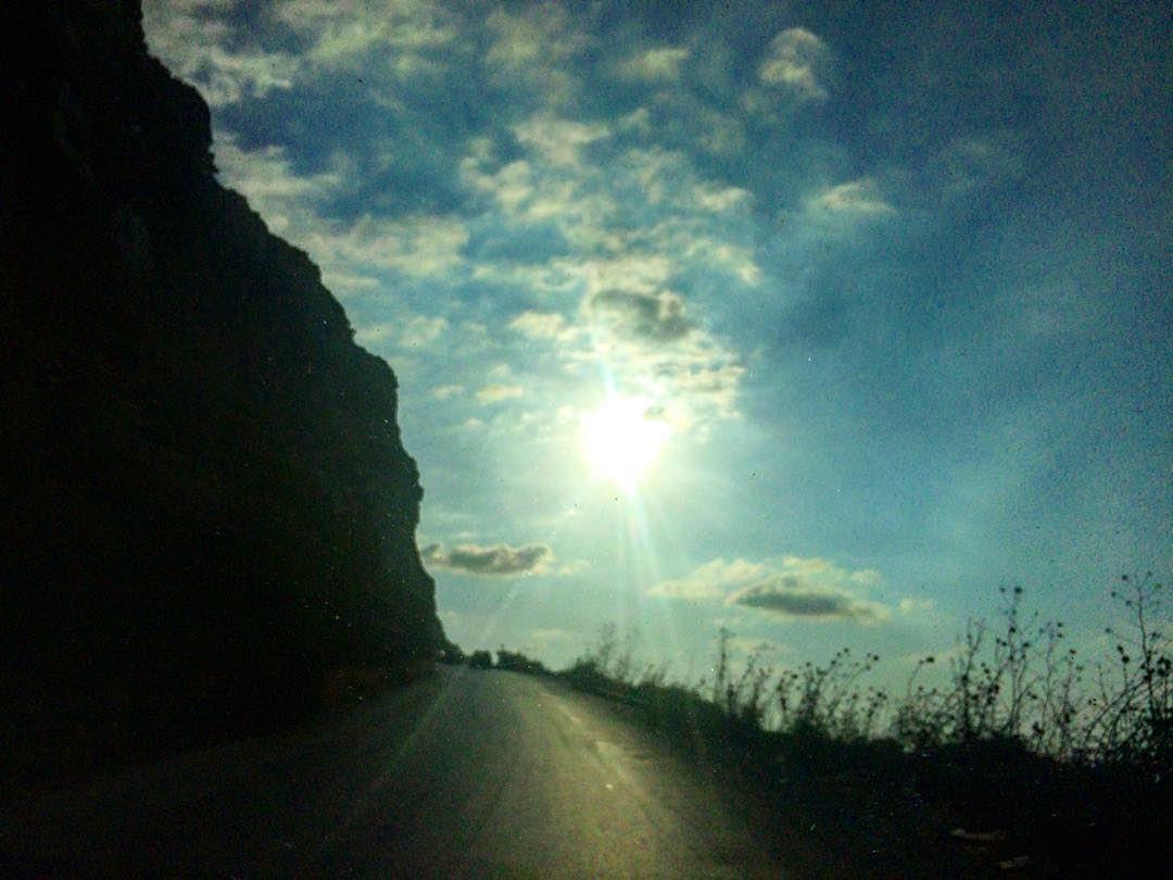 صوب السّما رايحين 🔝 adventure roadtrip livelovechekka sky random ... (Chekka)