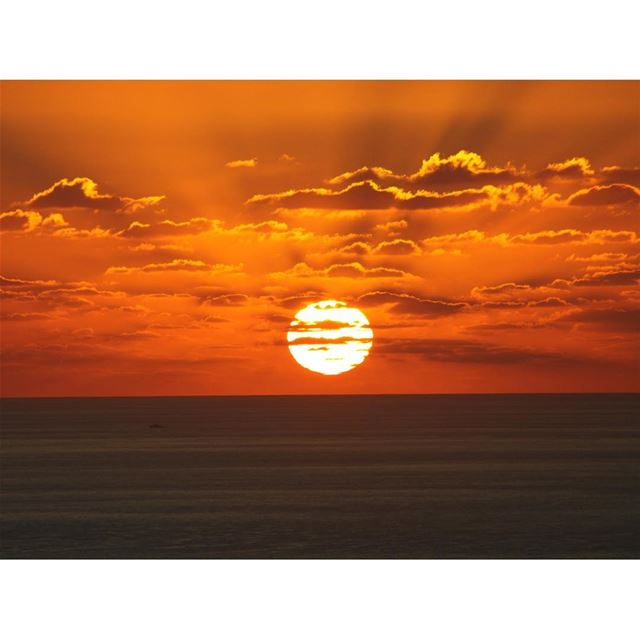 sunset 🌅 livelovelebanon lebanon sunset_ig sunsets sunsetbeauty ...