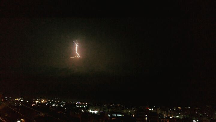 Listen to the THUNDER ⚡⚡........... saida  livelovesaida ... (Sidon, Lebanon)