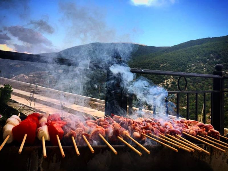 sundaygoals bbq mashewe mountains food beef fattyfood ... (Andaket عندقت)