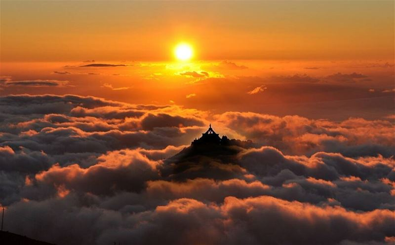 GOOD EVENING DEAR FRIENDS WITH THIS AMAZING SUNSET FROM EHDEN ♥ ... (Saydet El Hosn - Ehden)