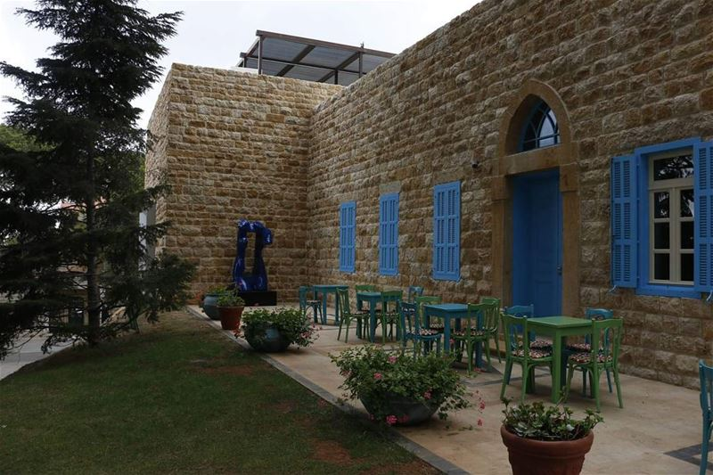 Sit down, drink your coffee , feel the freshair and enjoy colors of ... (Beit Meri, Mont-Liban, Lebanon)