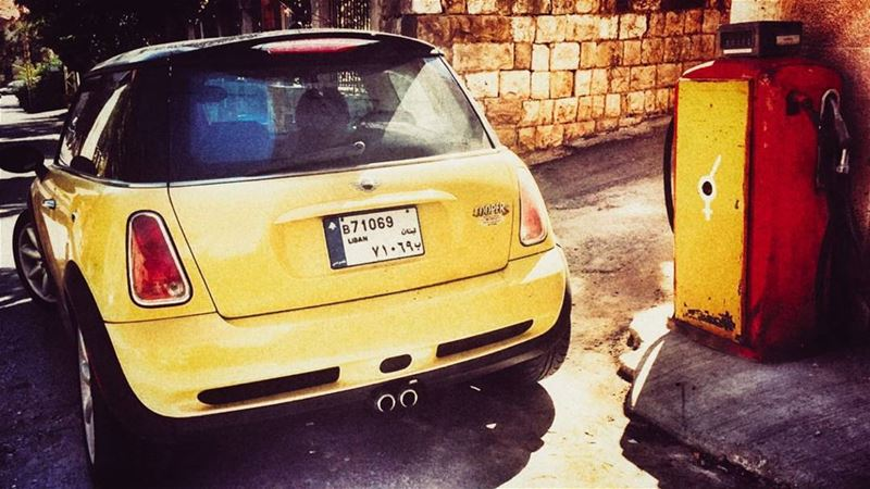 yellow_mini always distinguished PhotoShoot 📸 🙋🏼 Blonde Black ... (Douma, Liban-Nord, Lebanon)