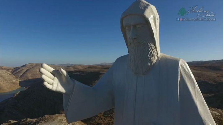 يا غافي وعيونك على لبنان والعالم saintcharbel faraya farayalovers ... (Faraya, Mont-Liban, Lebanon)