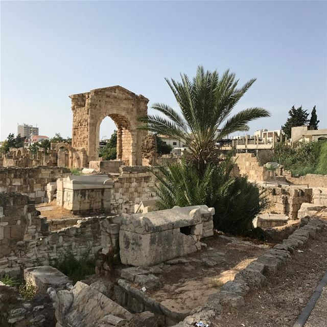 ~..How odd is it to feel the ancient history so very deeply?..~ 🏛🔱🌹🇱🇧 (Tyre, Lebanon)