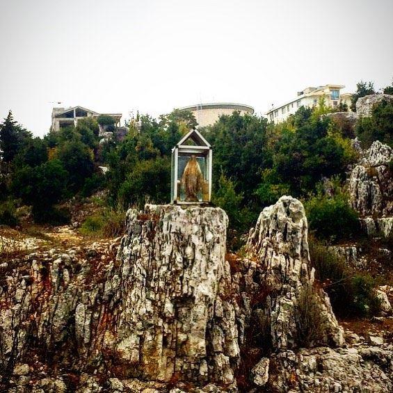 Happy Sunday 🍂🌳 sunday autumn season virginmary village lebanon ... (Ghosta, Mont-Liban, Lebanon)