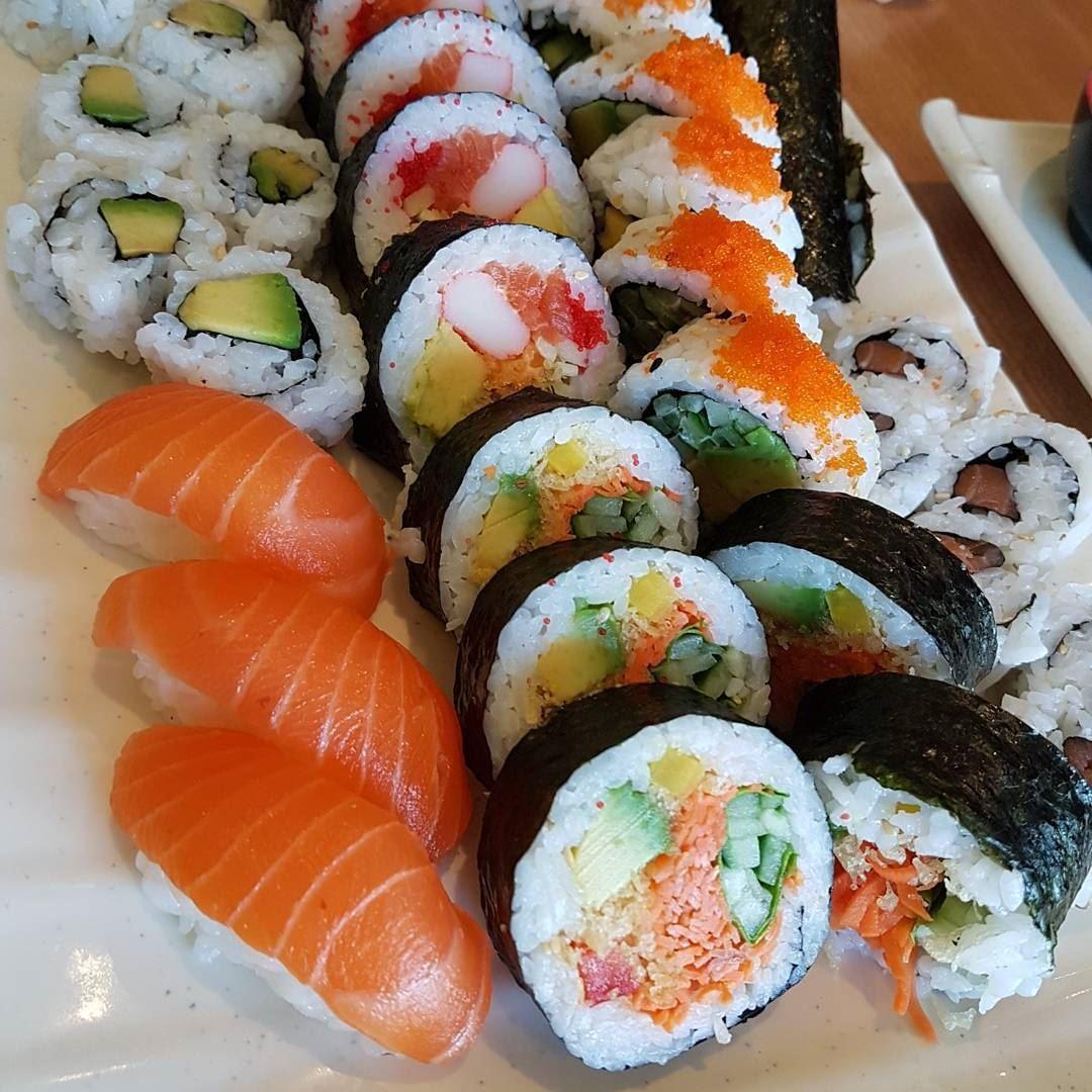 Sushi Love 🍣@fukisushibar.. thecookette montreal canada lebanese ... (Fuki Sushi Bar)