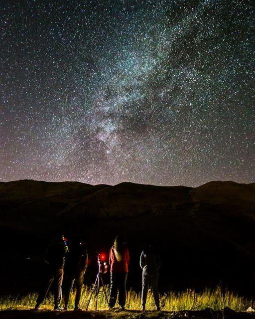 For the love of sky🌌📸: @elieggemayel ..... campingvibes camp ... (Oyoun oreghoch)