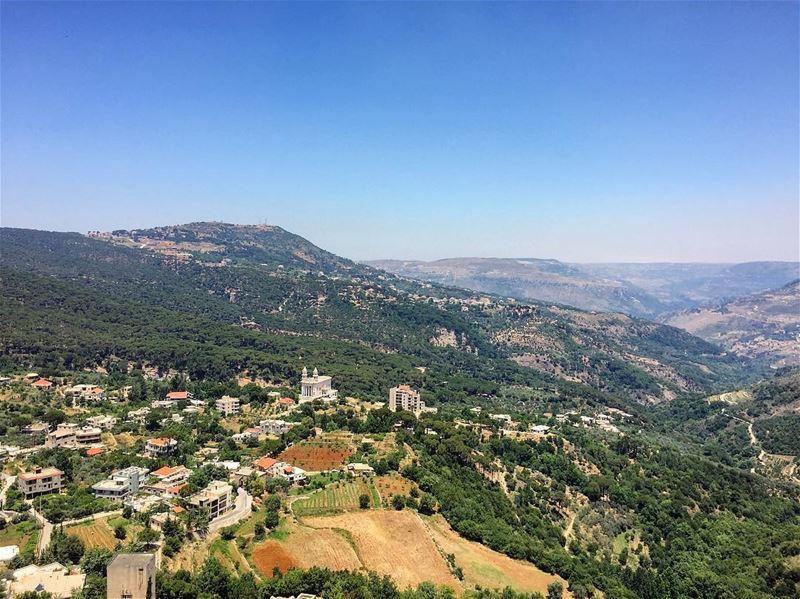 لو لم يكن لبنان وطني لإخترت لبنان وطن لي🇱🇧❤️ livelovebeirut ... (Jezzîne, Al Janub, Lebanon)