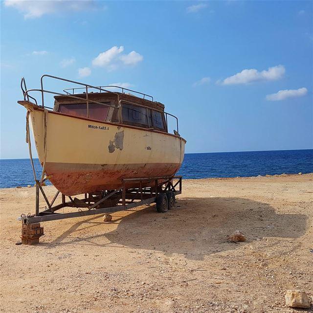 Il était un petit navire Qui n'avait ja-ja-jamais navigué Ohé ! Ohé ⛴⚓ ... (Amchit)
