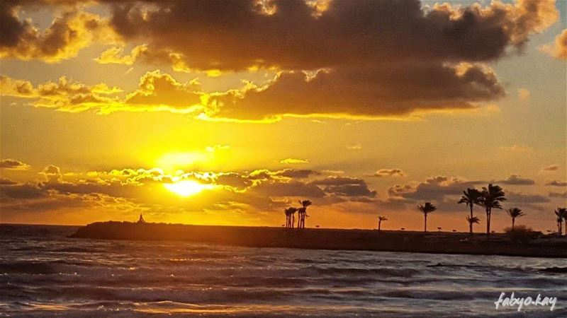 sunset sunsetlovers sunsetporn beirut cloudy clouds skyline skylovers... (Beirut, Lebanon)