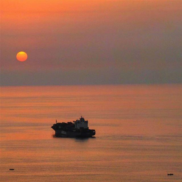 Vitamin sea 🌊 😉~~~~~~~~~~~~ nikontop_ nikonworld bns_sky bns_sunset... (Dbayeh, Mont-Liban, Lebanon)
