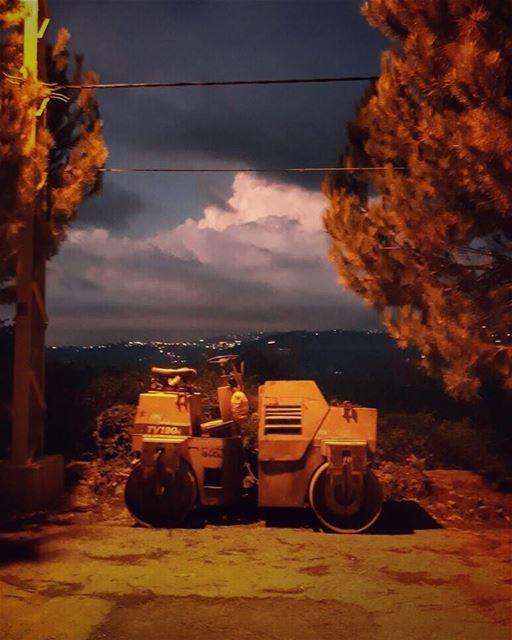 """""""Il faut aimer la solitude pour être photographe"""" -[Raymond Depardon] ..."""