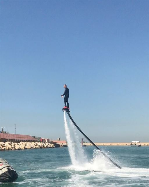 Who said summer is over!  flyboard  flyboardlebanon  showtime ... (Joünié)