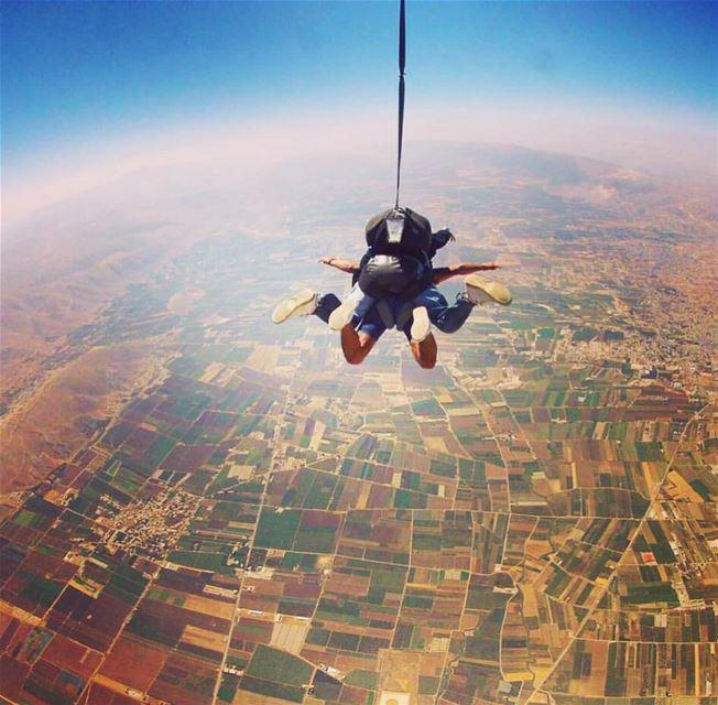 bekaa lebanon paragliding instagoodmyphoto livelovelebanon bekaavalley... (Beqaa Valley)