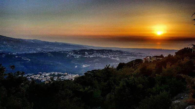 livelovelebanon lebanon livelovesunset ig_lebanon onlyonelebanon ... (Broummâna, Mont-Liban, Lebanon)