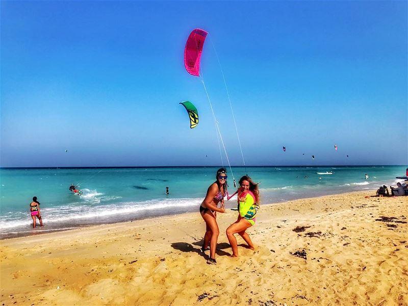 La vida es bella ❤️😎 kitesurfing watersports fitness sixpacks ... (Fuwerit)