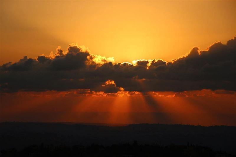 🌅.... sunset sunsetporn sunsetpics landscape landscapephotography... (Arab Saleem)
