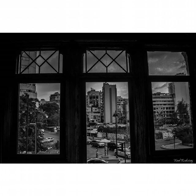 bnw  abandoned  old  house  blackandwhite  door  windows  building ... (Beit Beirut)