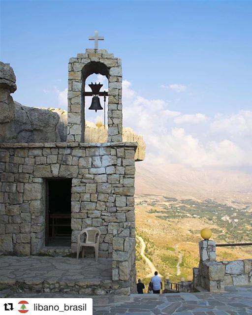 Repost @libano_brasil (@get_repost)・・・Você sabia que o cristianismo no... (Ehden, Lebanon)