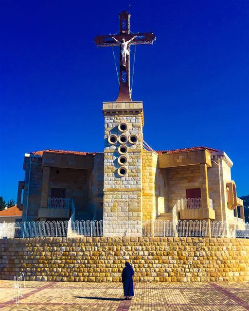 Sunday 👋😊 (Deir-El Salib, Mont-Liban, Lebanon)