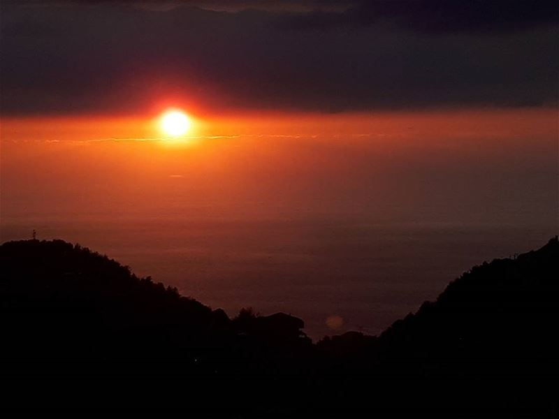 Every Sunset is unique 🌅 ! perfect mountains sea horizon clouds ...