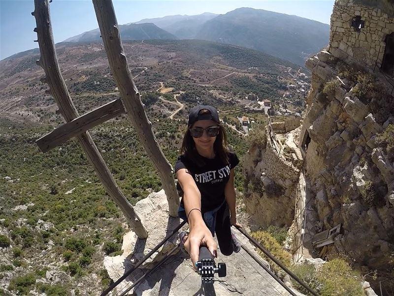 Don't look back unless it's a good view 🇱🇧⛰........ lebanon ... (Hardîne, Liban-Nord, Lebanon)