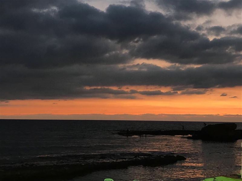 Let's enjoy the sunset @raysbatroun 😍 lebanon batroun raysbatroun ... (RAY's Batroun)