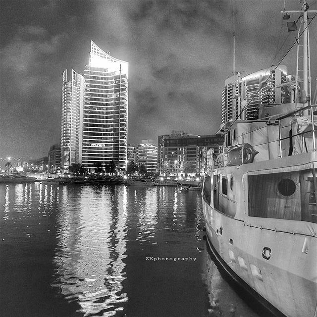 لم نفترق . لكننا لن نلتقي أَبداً *Mahmoud Darwish * bnw bnw_captures ... (Beirut, Lebanon)
