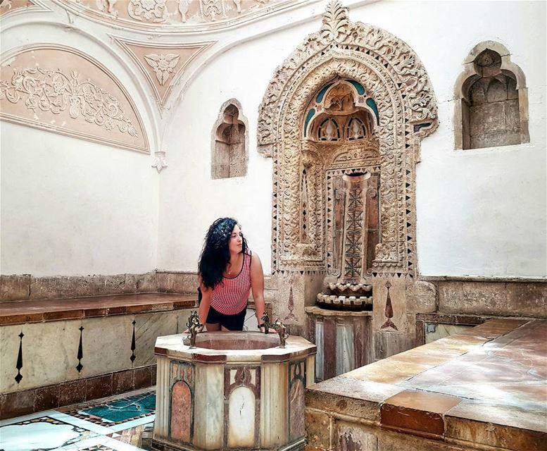 Да простят меня турагенства, но формат отлаженной экскурсии со строгой женщ (Beiteddine Palace)