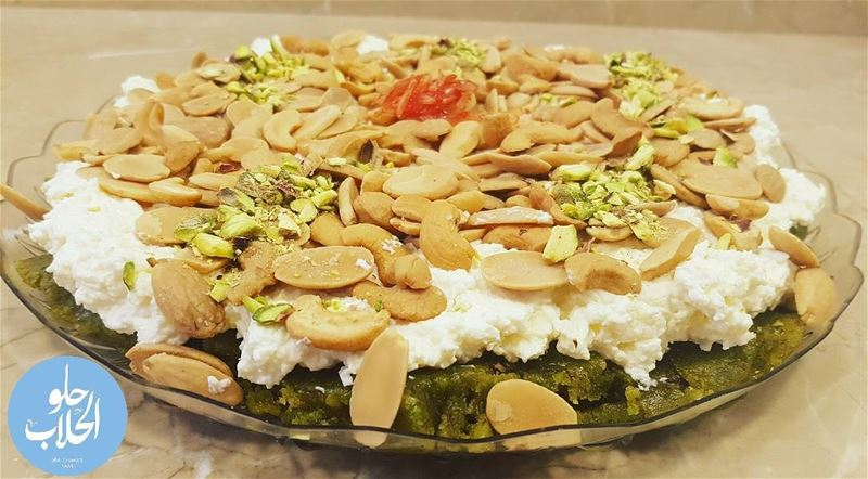 مفروكةبالفستق الحلبي 😍😉👌mafrouke with pistachios for your desire ------ (Abed Ghazi Hallab Sweets)