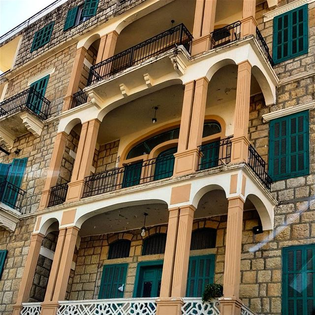 ❤Those kind of buildings build between 50's & 60's specially when they are... (Bhamdoûn, Mont-Liban, Lebanon)