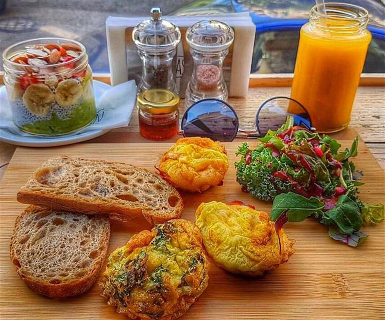 Don't panic, It's organic 🥗🍹📸 @nancyamansour morning goodmorning... (Breakfast Barn)