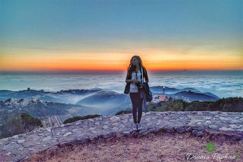 I never met a sunset I didn't like 🍃..Credit to @dianamaksoud ..... (Annâya, Mont-Liban, Lebanon)