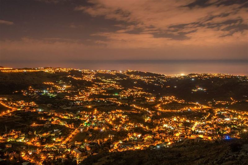 My kind of nightlife 🌌..... night nightphotography... (Falougha, Mont-Liban, Lebanon)