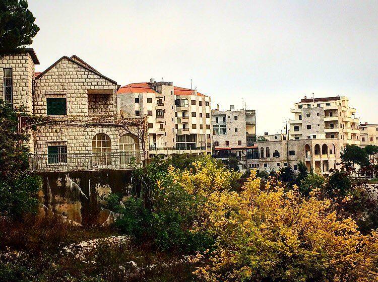🍂🏠🍁 autumn season village beautiful view lebanon mylebanon ... (Rayfun, Mont-Liban, Lebanon)